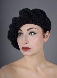 Mega knit beret 'La Chanteuse' Autumn Winter Collection.
