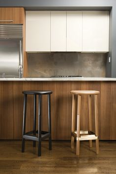 Welcoming. A softened ruggedness. Through-tenon joinery and metal brace are integral elements for exceptional durability. Materials Solid oak with brass plated or blackened steel. Made in USA Two Tone Kitchen Cabinets, Diy Cabinets, Counter Stools, Bar Stools, Rustic Kitchen, Kitchen Dining, Modern Interior Design, Decoration, Kitchen Remodel