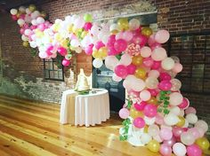 Balloon structure Fabulous Forty Pink & Gold 40th Birthday Celebration #larsmakes #larsballoons