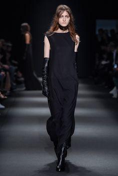 Ann Demeulemeester Otoño-Invierno 2015/2016 Paris Fashion Week
