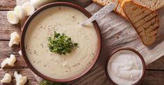 Recette de Soupe crémeuse au chou-fleur pour entrée légère d'automne. Facile et rapide à réaliser, goûteuse et diététique.