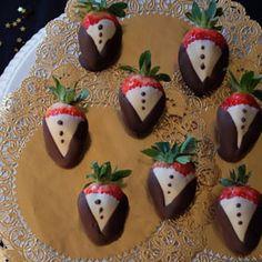 Tuxedo Strawberries | Hollywood Party - PartySavvy - SavvyMom.ca