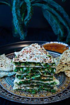 armenian flatbread recipe Armenian Recipes, Indian Food Recipes, Armenian Food, Flatbread Recipes, Snacks Für Party, Quiche, Traditional, Vegane Rezepte, Vegan Snacks