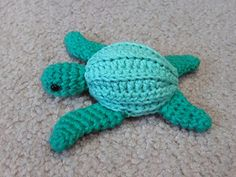 Inspired by Sea Turtles Forever, an awesome non-profit group that patrols beaches in Costa Rica protecting sea turtle nests from egg poachers, works to educate the public and helps with cleanup and habitat conservation. Crochet Fish, Cute Crochet, Crochet Crafts, Yarn Crafts, Crochet Baby, Crochet Projects, Fish Patterns, Crochet Animal Patterns, Stuffed Animal Patterns