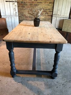 42 Fabulous Farmhouse Table Design Ideas With Rustic Style . - furnitures - 42 Fabulous Farmhouse Table Design Ideas With Rustic Style - Painted Kitchen Tables, Farmhouse Kitchen Tables, Farmhouse Furniture, Painted Farmhouse Table, Kitchen Furniture, Farmhouse Decor, Farmhouse Ideas, Kitchen Rustic, Dining Table Makeover