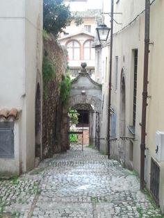 Spoleto utcarészlet Italy, Travel, Italia, Viajes, Destinations, Traveling, Trips