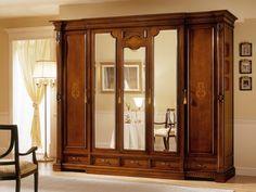 Mirror wardrobes for elegant bedroom designs Wooden Closet, Wooden Wardrobe, Mirrored Wardrobe, Bedroom Wardrobe, Elegant Bedroom Design, Bedroom Bed Design, Bedroom Designs, Almirah Designs, Wooden Main Door Design