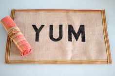 DIY no-sew burlap placemat. Cute idea for Thanksgiving.