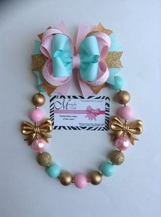 Pink Gold and mint chunky necklace bubblegum necklace, with matching hair bow or matching headband Chunky Bead Necklaces, Bubble Necklaces, Chunky Beads, Large Hair Bows, Diy Hair Bows, Diy Bow, Rope Jewelry, Kids Jewelry, Little Girl Jewelry