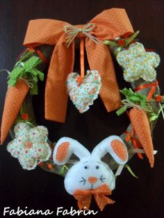 Easter Whreat - guirlanda de páscoa da @FabianaFabrin Easter Projects, Easter Crafts, Crafts To Sell, Diy And Crafts, Rabbit Crafts, Easter Parade, Easter Holidays, Easter Wreaths, Easter Bunny