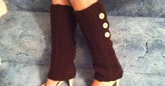 Super cute legwarmers with shell edging detail! These are so fun to wear and they are WARM! Ha ha! The weather has been a little koo...