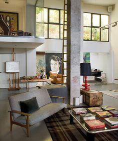 Dark plaid rug like this for the cabin // Casa Estudio | Pintor Enrique García Lozano