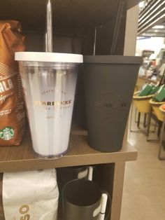Starbucks in Albertsons Starbucks Tumbler Cup, Starbucks Drinks, Cute Water Bottles, My Cup Of Tea, Tumbler Cups, Kitchen Items, Mug Cup, Drinking Water, Tumblers