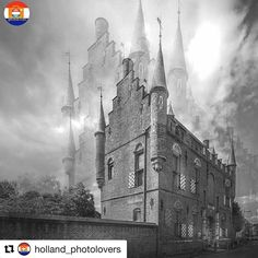 """I finally figured out Repost! Thanks for the feature.  #Repost @holland_photolovers with @repostapp  . """"Denkend aan Holland zie ik breede rivieren traag door oneindig laagland gaan..."""" _ Marsman 1936 . Dutch poem witten by H.  Marsman describes the Dutch landscape and the Dutch struggle against the water. 1 of the best-known poems in the Dutch language . Congratulations to: . @robmenting . Thank you for sharing your beautiful picture with us here at @holland_photolovers . Don't forget to…"""
