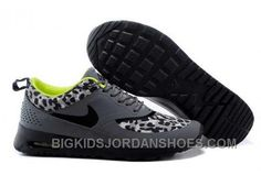 Nike Shox Shoes, New Jordans Shoes, Kids Jordans, Pumas Shoes, Jordan Shoes For Kids, Air Jordan Shoes, Nike Michael Jordan, Stephen Curry Shoes, Running Shoes On Sale