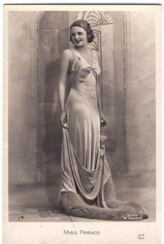 Vintage Ladies Cabinet Cards (239)