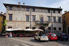 Vérone - Façade de la Piazza du Vicolo Accoliti Verona