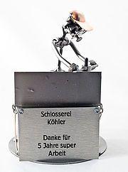 Schlosser oder Schmied Für Menschen in einem Beruf im Metallhandwerk bieten wir hier das richtige Geschenk. Das Schraubenmännchen stellt einen Kunstschlosser, Bauschlosser oder KFZ- Schlosser dar. Wir...