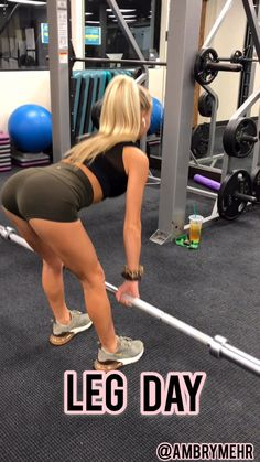 Sculpt your glutes and quads with this gym leg day workout. This workout uses cable machine, weighted plates, dumbbells, and resistance bands to get a killer workout. Tighten and tone your lower body. Fitness Workouts, Leg Day Workouts, Gym Workout Videos, Killer Workouts, Sport Fitness, Body Fitness, Butt Workout, Fitness Tips, Gym Workouts Women