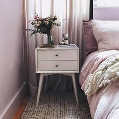 Home Decoration Ideas Images Info: 1582309232 Lilac Room, Lilac Walls, Bedroom Wall, Diy Bedroom Decor, Home Decor, Bedroom Ideas, Bedroom Inspo, Best Interior Design, Interior Decorating
