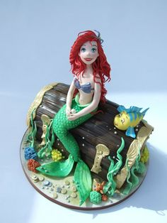 The Little Mermaid cake. Wow. This cake is amazing