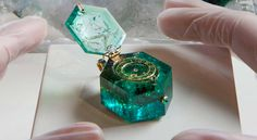 gdfalksen:Watch set into a single Colombian emerald crystal, circa the watch is part of the Cheapside Hoard, a cache of jewels and jewelry buried since the Great Fire of London in 1666 and rediscovered in from the Hoard here, here, and here. Cute Jewelry, Jewelry Accessories, Jewelry Design, Resin Crafts, Resin Art, Magical Jewelry, Colombian Emeralds, Fantasy Jewelry, Schmuck Design
