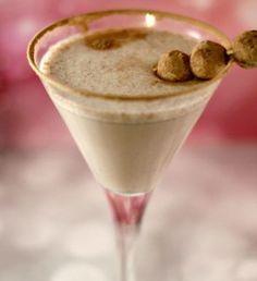 Fall Cocktail Recipe - Cocoa Snickerdoodle RumChata Martini