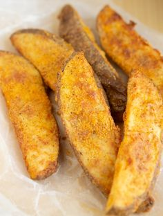 These Copycat KFC Potato Wedges are made in the Air Fryer! They are perfectly seasoned and the perfect side dish to your favorite meal. I've provided full step by step instructions so you can make a healthier version of these copycat KFC fries. Air Fryer Recipes Potatoes, Air Fryer Oven Recipes, Air Frier Recipes, Air Fryer Dinner Recipes, Deep Fryer Recipes, Air Fryer Recipes Vegetables, Recipes For Airfryer, Air Fryer Recipes Wings, Air Fry Potatoes