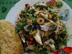 Ταμπουλέ με κοτόπουλο και φρούτα Salad Recipes, Grains, Salads, Tacos, Rice, Mexican, Ethnic Recipes, Food, Salad