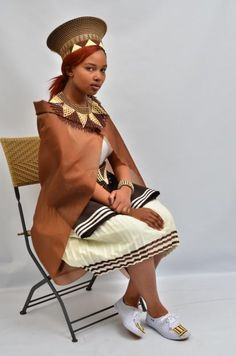 Zulu Wedding Outfit Best African Dresses, African Wedding Dress, African Attire, African Fashion Dresses, White Wedding Dresses, African Outfits, Zulu Traditional Attire, Zulu Traditional Wedding, African Traditional Dresses