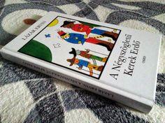 Lázár Ervin A négyszögletű kerek erdő c. meséje egyaránt élvezhető olvasmány a gyerek és felnőttek számára is. Könnyed kikapcsolódást nyújt és bármikor fel tudja vidítani az embert.