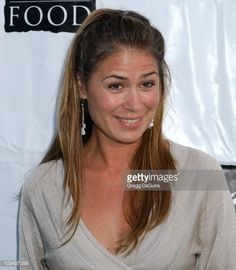 News Photo : Maura Tierney during 11th Annual Angel Awards -...