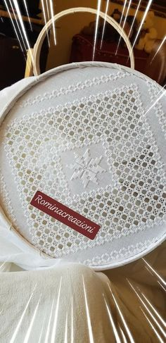 Hardanger Embroidery, Beaded Embroidery, Hand Embroidery, Creative Arts And Crafts, Diy And Crafts, Bargello, Needlepoint, Needlework, Shabby Chic