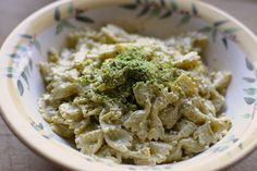 Farfalle w Pistachio Cream. Pistachios are becoming my new favorite nut to cook with, they have an amazing flavor and can be cheaper than hazelnuts or pine nuts. They are wonderful in both sweet and savory dishes. #nuts #pasta
