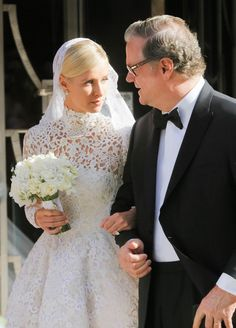 Or is this a freakin' fantasy? | Nicky Hilton Just Got Married And Wore The Most Incredible Dress