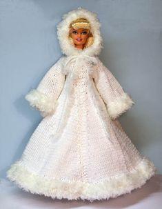 Barbie doll winter cape# Free # knitting pattern link here Barbie Knitting Patterns, Barbie Clothes Patterns, Crochet Barbie Clothes, Clothing Patterns, Doll Patterns, Barbie Wedding Dress, Barbie Dress, Barbie Doll, Knit Fashion