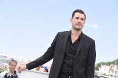 Dracula Actor, Dracula Tv, Count Dracula, Imaginary Boyfriend, Bangs, Amy, Suit Jacket, Mens Fashion, Actors