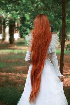 Absolutely love this hair... wish mine was like this! <3 Gorgeous Hair, Beautiful Redhead, Beautiful Things, Permed Hairstyles, Goddess Hairstyles, Cool Hairstyles, Long Red Hair, Super Long Hair, Red Hair Don't Care
