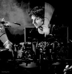 A young Christoph Schneider playing drums. Christoph Schneider, Band Memes, Music Bands, Worship, Beautiful Men, German, Concert, Backstage, Drums