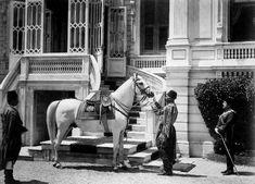Sultan II.Abdülhamid fotoğraf arşivinden İstanbul'da hayat..Yıldız Sarayı girişi 1880-1893, Beşiktaş