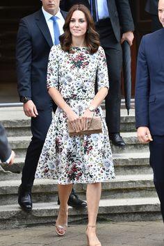 Stylish and sustainable fashion style of the Duchess of Cambridge Kate Middleton Kate Middleton Stil, Kate Middleton Dress, Kate Middleton Prince William, Royal Fashion, Style Fashion, Fall Fashion, Fashion Trends, Duchess Of Cambridge, Duchess Kate
