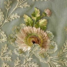 dress: silk tulle, floral embroidery in chain, stem, long and short stitch Lyon - French Tambour Embroidery, Couture Embroidery, Silk Ribbon Embroidery, Floral Embroidery, Embroidery Stitches, Embroidery Patterns, Machine Embroidery, Image Pinterest, Lesage