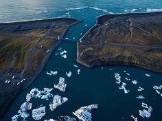 Jökulsárlón glacier lagoon in Iceland - Photography by Slava Mylnikov