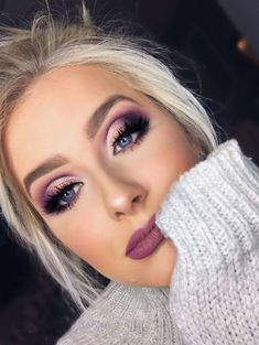 Cut off the fold. Purple eye makeup – Make-up-Ideen – Cut off the fold. Purple eye makeup – Make-up-Ideen – [. Purple Eye Makeup, Smokey Eye Makeup, Eyeshadow Makeup, Purple Eyeshadow Looks, Purple Smokey Eye, Cut Crease Makeup, Eyeshadow Palette, Purple Makeup Looks, Sparkly Eyeshadow