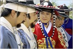 """Immortal Admiral Yi Sun-sin(Hangul:불멸의 이순신;RR:Bulmyeolui I Sun-sin; lit. """"The Immortal Yi Sun-sin"""") is a2004 South Koreantelevision series based on the life of Yi Sun-sin, starringKim Myung-minin the title role. It aired onKBS1 for 104 episodes. The series filmed on location at the actual battle sites. It made extensive use of rendered images and a reconstruction of aturtle ship. Due to the preparation needed, the show took many months to produce.  광해"""