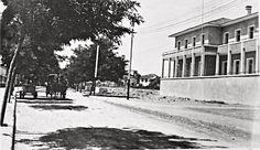 1930 lar #Mersin Kışla caddesi günümüzdeki Atatürk caddesi Vali konağı....