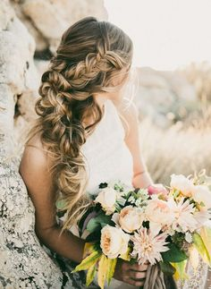 Gorgeous wedding hairstyle; photo: India Earl Photography