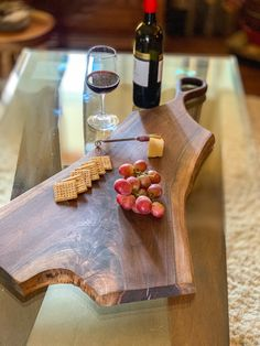 I am a fine woodworking shop that strives to create unique heirloom quality pieces that will last for generations. End Grain Cutting Board, Diy Cutting Board, Wood Cutting Boards, Cheese Cutting Board, Wooden Projects, Woodworking Projects Diy, Wood Crafts, Wooden Cheese Board, Charcuterie And Cheese Board