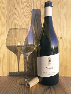 Veneto bianco IGT - Uve di Bronner e Johanniter White Wine, Alcoholic Drinks, Glass, Drinkware, Alcoholic Beverages, Liquor, Alcohol Mix Drinks, Glas