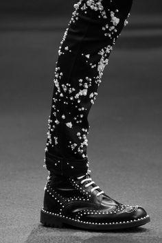 nastyvogue: artkream: senyahearts: Givenchy - S/S 2015 RTW... - givenchy ghost